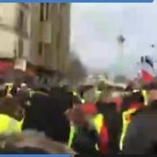 «Gilets jaunes» : les premiers manifestants convergent place de la Bastille à Paris
