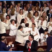 Les femmes démocrates du Congrès surprennent Trump pendant son discours sur l'état de l'Union