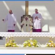 Les images de la messe historique du pape François à Abou Dhabi