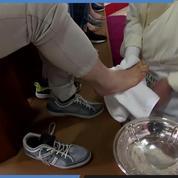 Jeudi Saint : le Pape lave les pieds des prisonniers
