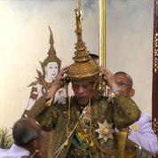 Thaïlande : le nouveau roi Maha Vajiralongkorn couronné