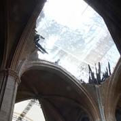 Notre-Dame : les images de la cathédrale pendant la première messe après l'incendie