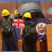 Hongkong: les manifestants envahissent le parlement