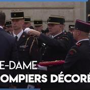 Notre-Dame : les pompiers de Paris décorés pour le sauvetage de la cathédrale