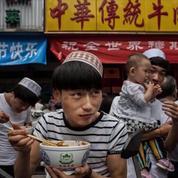 La Chine ordonne le retrait de symboles musulmans dans plusieurs restaurants halal
