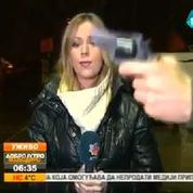 En Serbie, la Miss Météo se fait braquer sous le nez une arme en plein direct