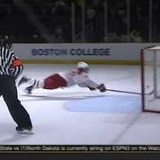 Un sauvetage miraculeux en hockey sur glace