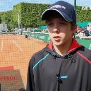 Les jeunes du tennis de demain s'affrontent au pied de la Tour Eiffel