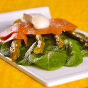 Salade d'asperges au saumon