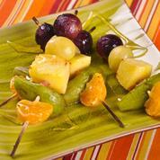 Fruits caramélisés en brochette