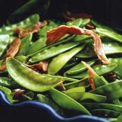 Salade aux pois gourmands et au Serrano