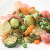 Wok de légumes façon thaï et jambon cru