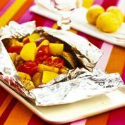 Pommes de terre primeurs et légumes en papillote
