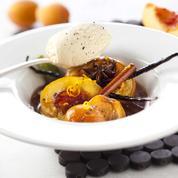 Nectarines et abricots rôtis à la cannelle, vanille, zeste d'orange et poivre noir