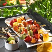 Brochettes de fruits grillés