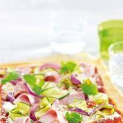 Pizza jambon, mozzarella, copeaux de courgettes