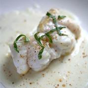 Lotte rôtie, sauce crème de camembert au piment d'espelette