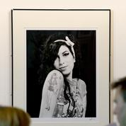 Camden honore Amy Winehouse