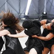 Le stepping : la danse africaine qui secoue la mode