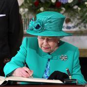 La charmante lettre de la reine Elizabeth II à un petit garçon endeuillé