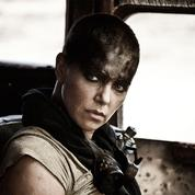 Charlize Theron enflamme