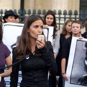 Musulmanes, femmes noires : les féministes accusées d'ignorer les minorités
