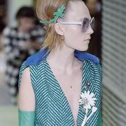 Bijoux, des parures fantaisie dans le droit fil du prêt-à-porter