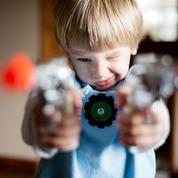 Faut-il interdire les répliques de fusils d'assaut et les jeux vidéo violents à nos enfants ?