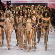 Etam lingerie : le défilé anniversaire embrase Paris le premier jour de la Fashion Week
