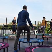Le mini-trampoline, nouvel accessoire de sport à domicile
