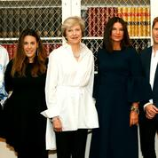 Theresa May invite la mode britannique au 10 Downing Street