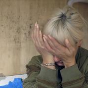 Lily Allen fond en larmes devant un jeune réfugié de Calais