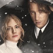 Burberry : un film de Noël historique avec Sienna Miller et Domhnall Gleeson