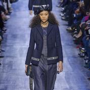 Défilé Dior automne-hiver 2017-2018: symphonie en bleu
