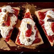 Pizza vapeur à la tomate et burrata