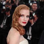 Jessica Chastain, beauté incendiaire sur les marches de Cannes