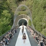 Louis Vuitton dévoile une collection croisière 2018 radicale à Kyoto