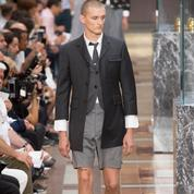 Au défilé Thom Browne, les talons hauts ne plaisent pas à tous les mannequins hommes