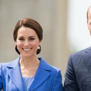 En quoi la robe bleue de Kate Middleton est-elle un hommage à l'Allemagne ?