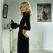 Quand Mireille Darc dévoilait les secrets d'une robe noire devenue mythique