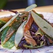 Salade de pousses d'épinard et saumon