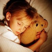 Se coucher à heure fixe favorise la santé des enfants