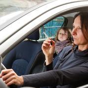 Tabac: paquets neutres, voitures non-fumeurs et publicités chocs