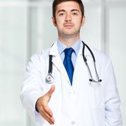 La blouse fait-elle le médecin ?