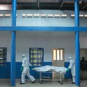 Ebola: deux vaccins testés à grande échelle