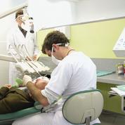 Le dentiste se consulte maintenant à distance