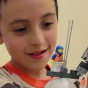 Un ingénieur développe une prothèse en Légo pour les enfants amputés