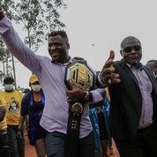 MMA: le champion du monde Ngannou accueilli en héros au Cameroun