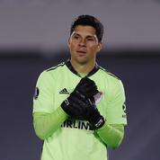 Contraint d'évoluer gardien, un milieu de River Plate élu homme du match