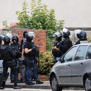 EN DIRECT - Saint-Etienne-du-Rouvray : l'un des assassins était connu des services antiterroristes